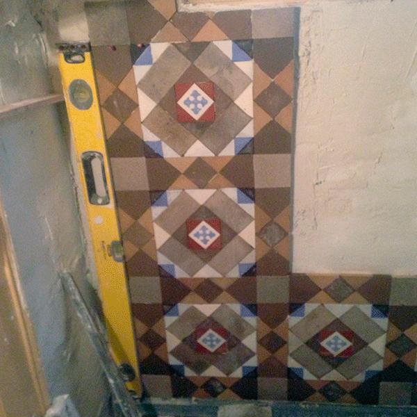 montaje-y-restauracion-de-pared-en-mosaico-nolla