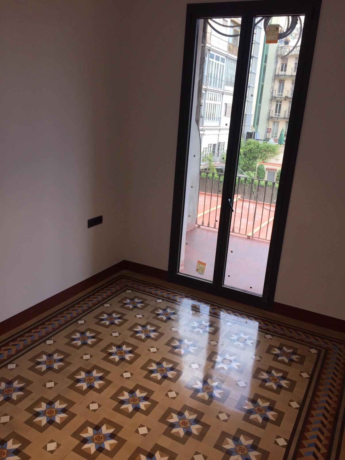 Rehabilitacion-de-suelo-de-mosaico-nolla-Barcelona