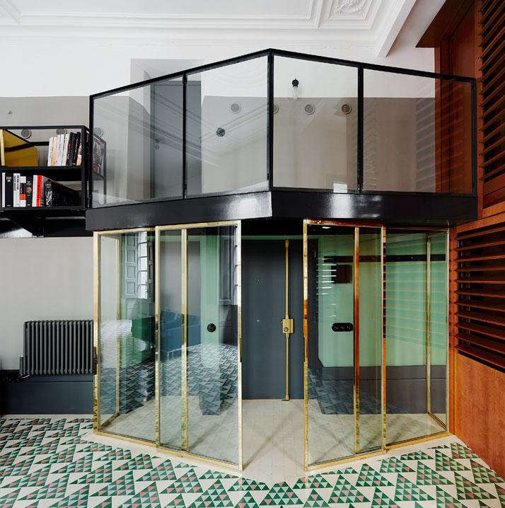 Carrer-Avinyó-Apartamento-de-David-Kohn-Architects-en-Barcelona