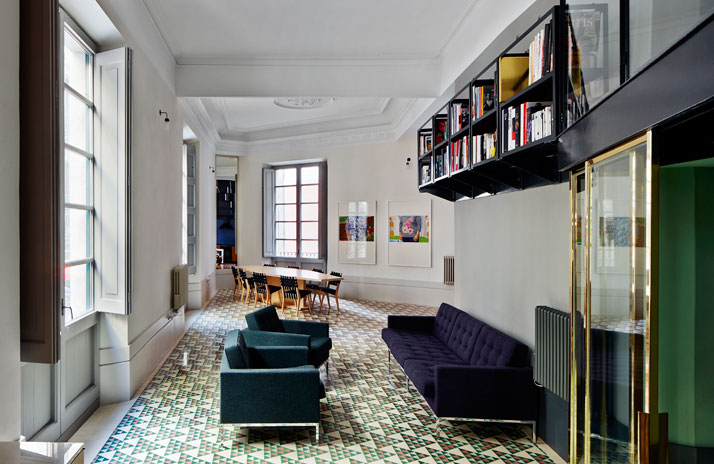 El-Carrer-Avinyó-Apartamento-de-David-Kohn-Architects-en-Barcelona-1