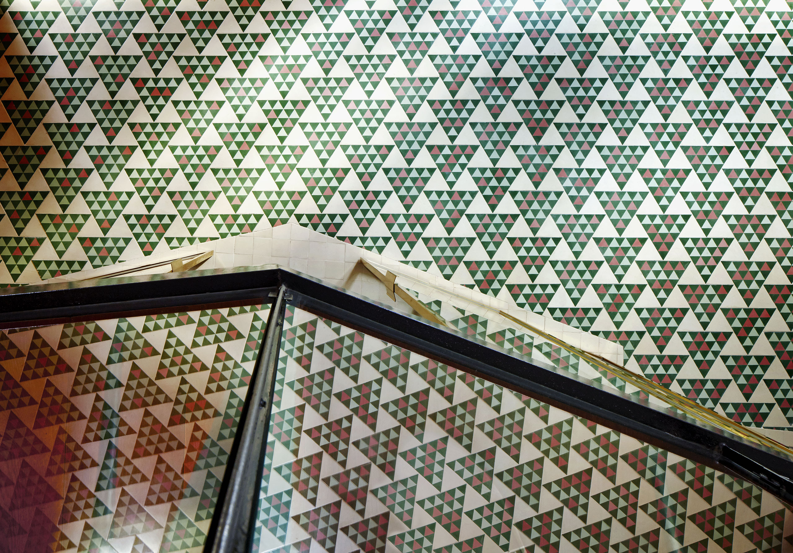 El-Carrer-Avinyó-Apartamento-de-David-Kohn-Architects-en-Barcelona-4