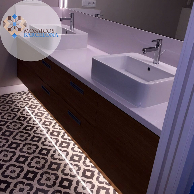 MosaicosBarcelona-Pulido-de-suelo-hidraulico-en-baño-piso-Barcelona