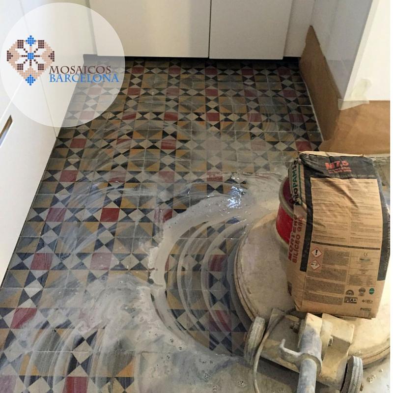 MosaicosBarcelona-Pulimento-de-suelo-hidraulico-restaurado