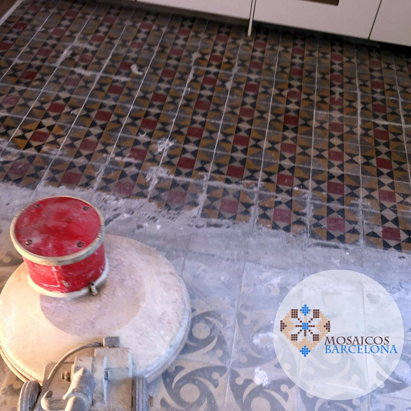 MosaicosBarcelona | Recuperación mosaico hidráulico Pulimento de suelo hidraulico