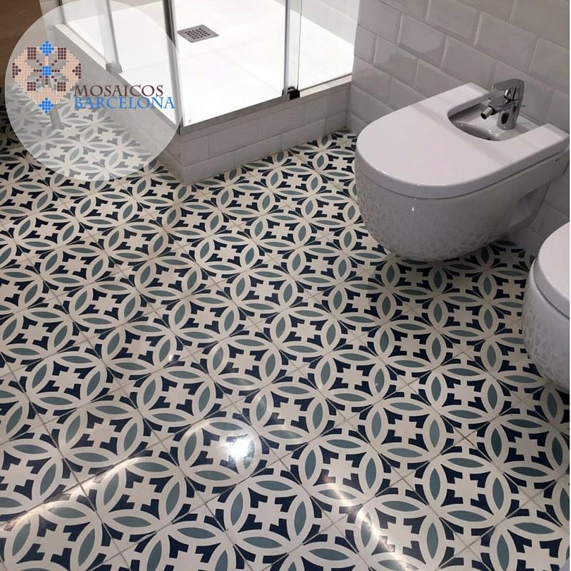Mosaicosbarcelona restauracion de suelo hidraulico en ba o - Suelo de bano ...