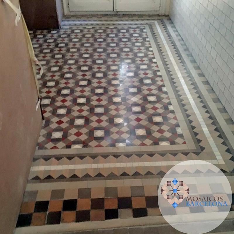 Mosaicos-Barcelona-Montaje-hidraulico-restaurado-en-vivienda