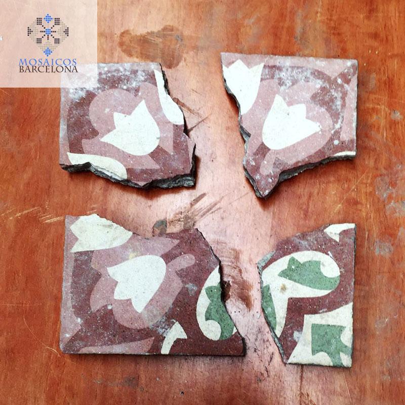 MosaicosBarcelona-Pieza-de-mosaico-hidraulico-para-reconstruir-en-mesa-decorativa