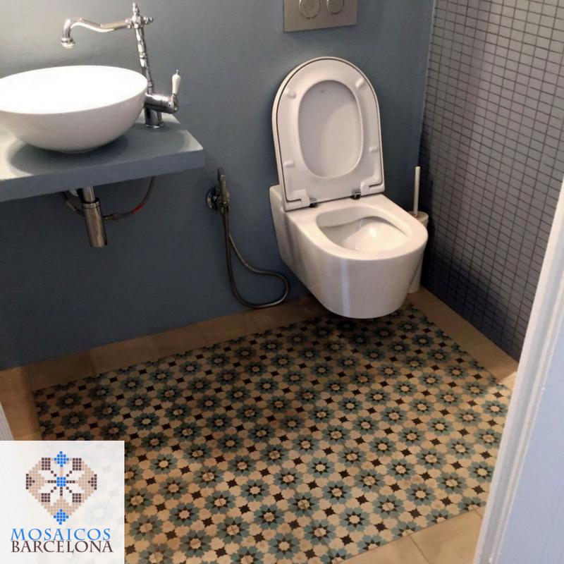 MosaicosBarcelona-Espectaular-reforma-en-baño-de-vivienda-en-barcelona-con-suelos-de-mosaico-hidraulico-original