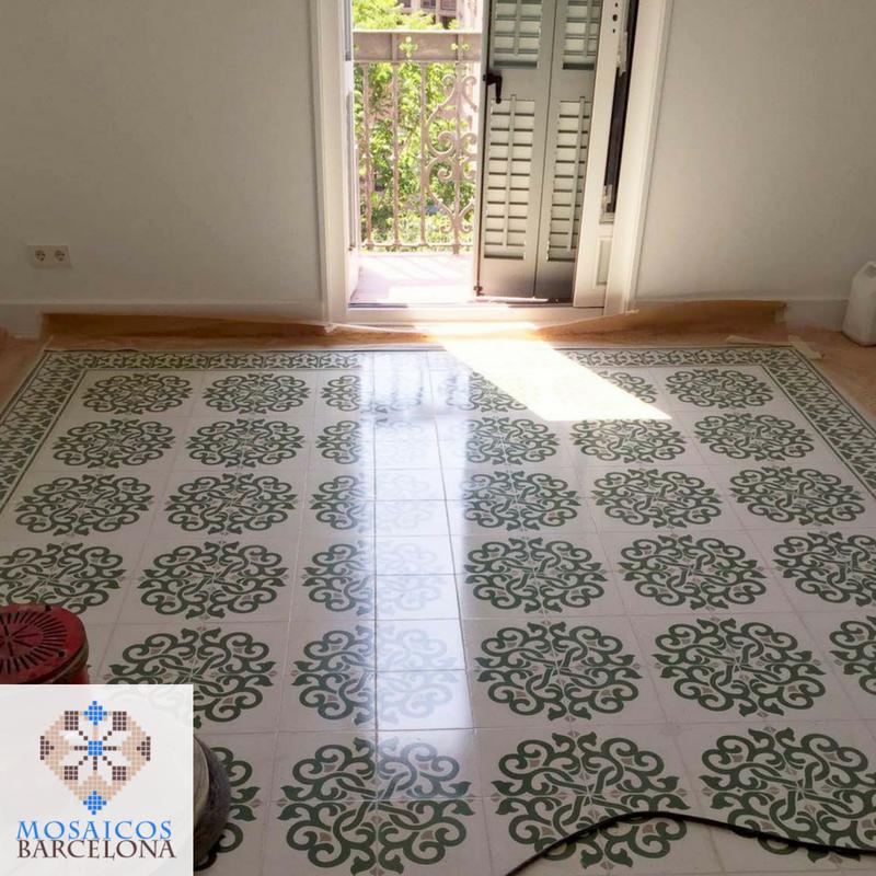 MosaicosBarcelona-Pulido-de-suelo-de-mosaico-hidraulico-en-vivienda-de-consell-de-cent-Barcelona