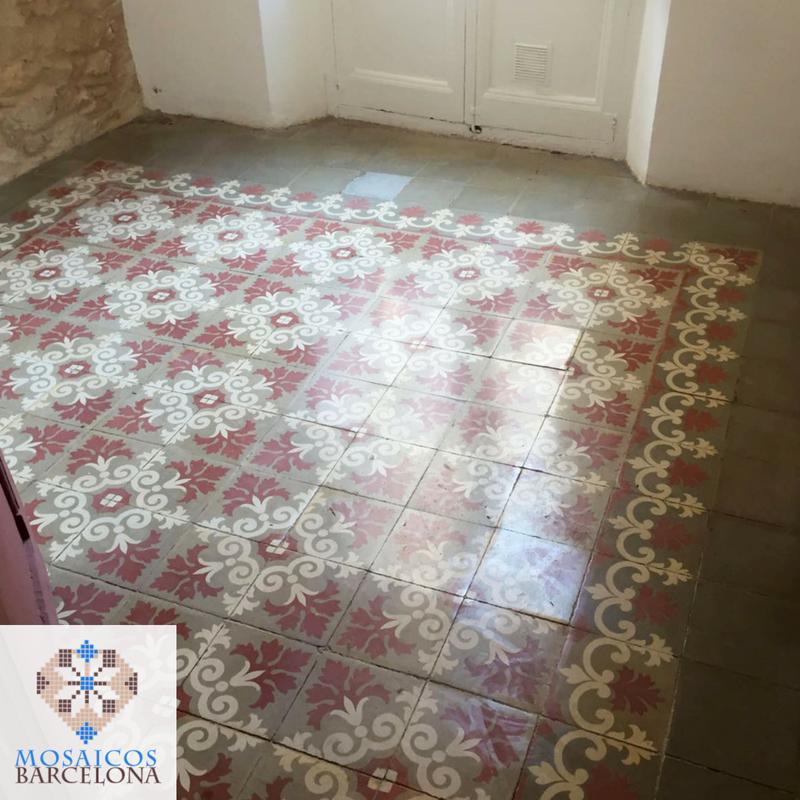 MosaicosBarcelona-Tratamiento-de-mosaico-hidraulico-en-piso-de-Barcelona