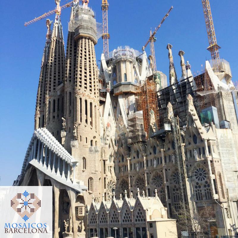 MosaicosBarcelona-Pulido-mosaicos-hidraulicos-en-Calle-Cerdenya-Barcelona-5