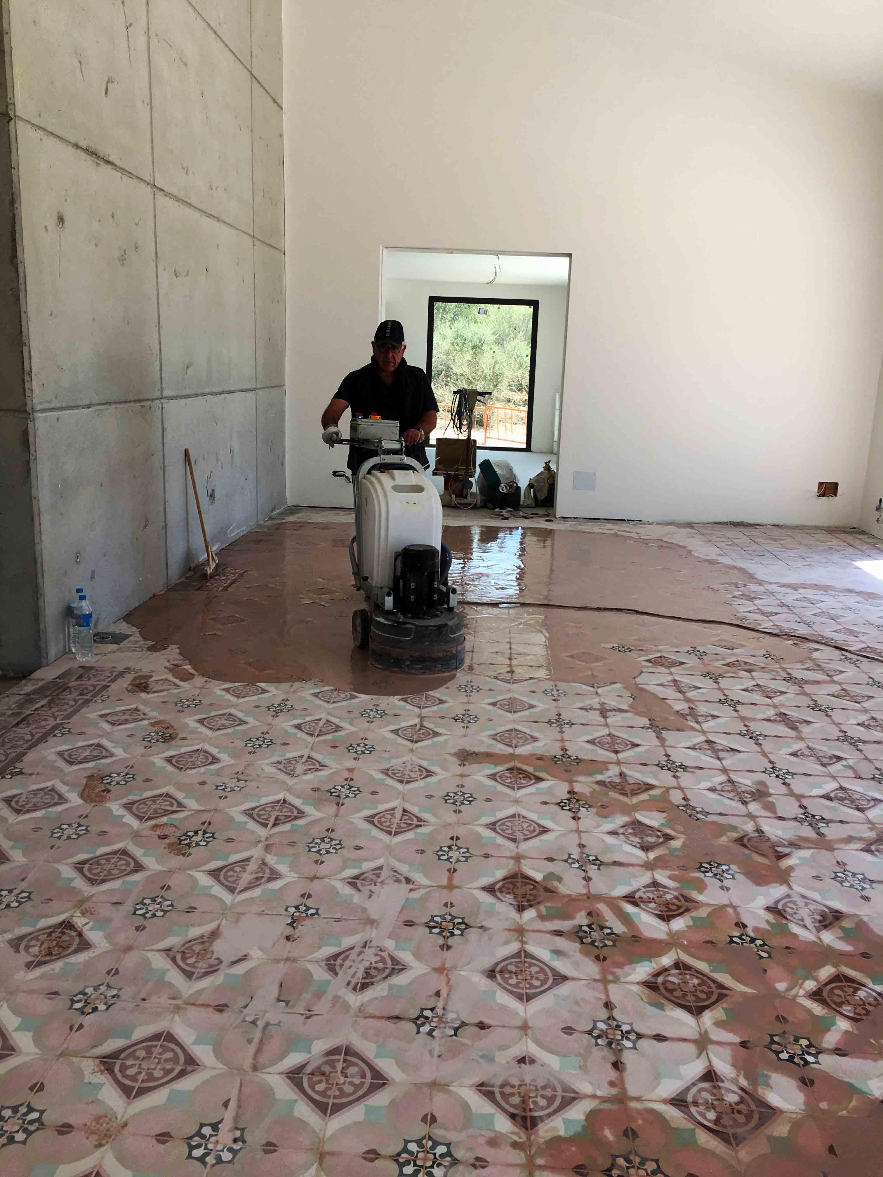 MosaicosBarcelona-Recuperacción-abrillantado-y-acristalado-de-suelos-de-mosaico-hidraulico-en-vivienda-en-Mallorca-4