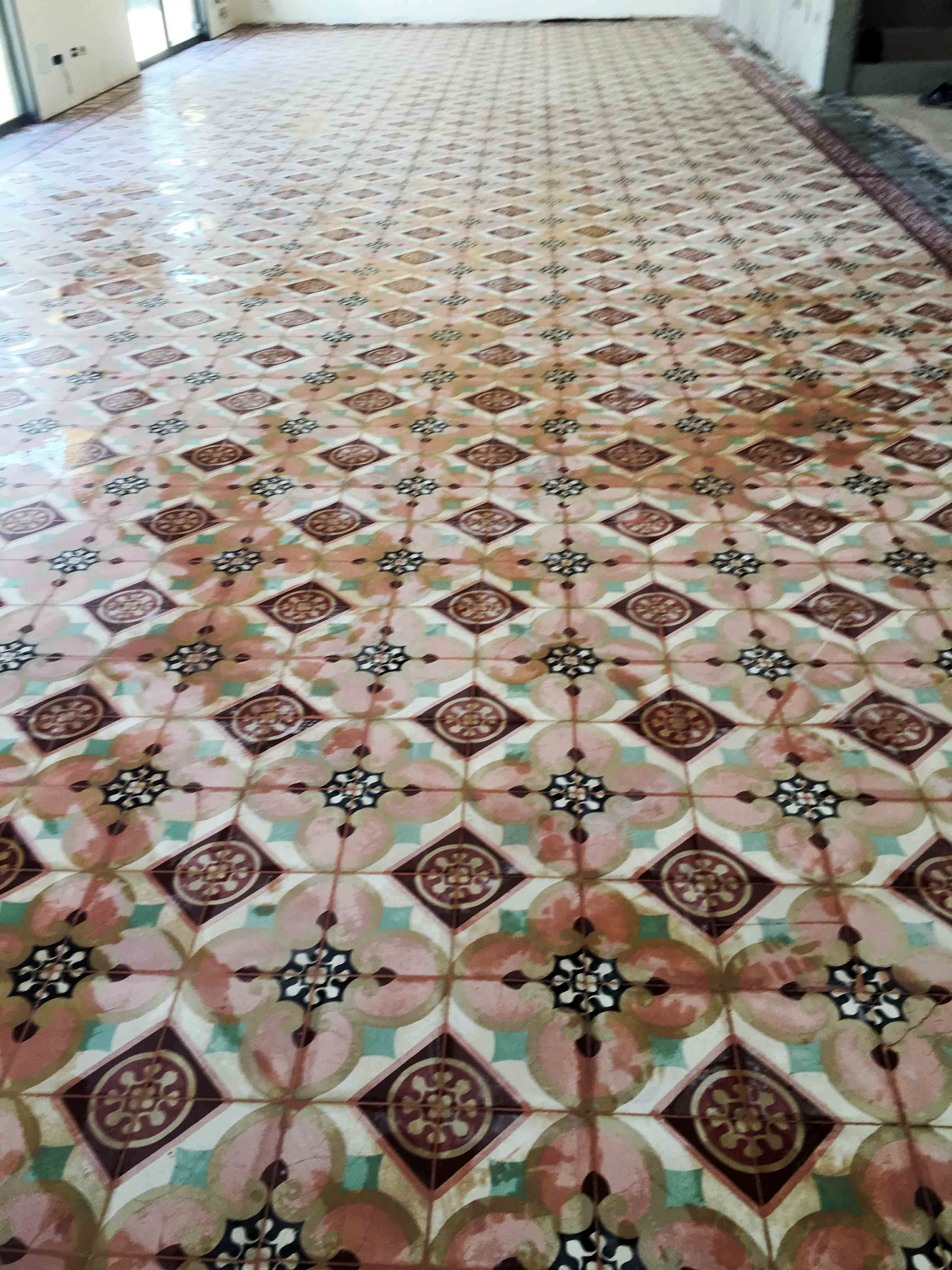 MosaicosBarcelona-Recuperacción-abrillantado-y-acristalado-de-suelos-de-mosaico-hidraulico-en-vivienda-en-Mallorca-Baleares-12
