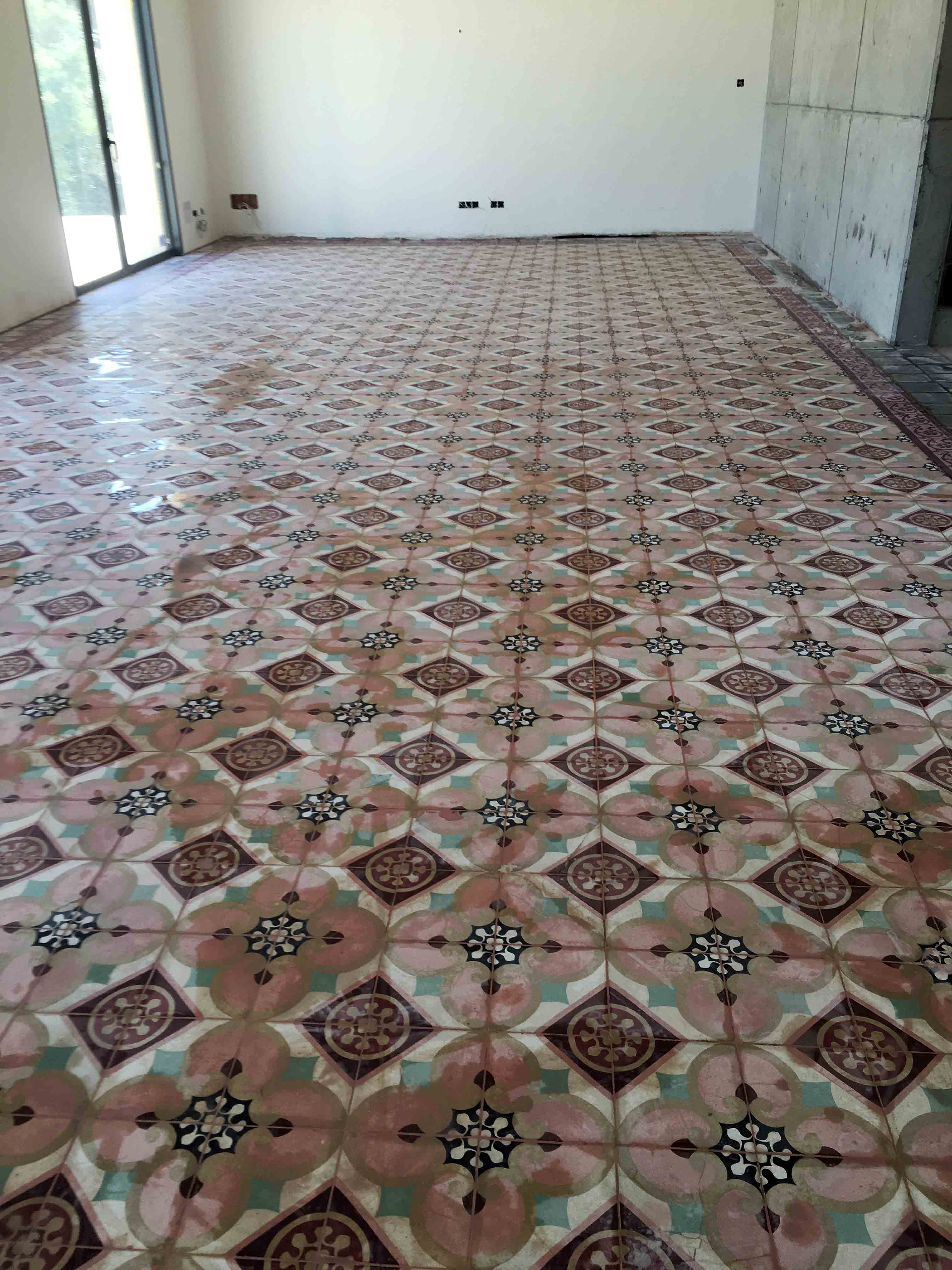 MosaicosBarcelona-Recuperacción-abrillantado-y-acristalado-de-suelos-de-mosaico-hidraulico-en-vivienda-en-Mallorca-Baleares-13