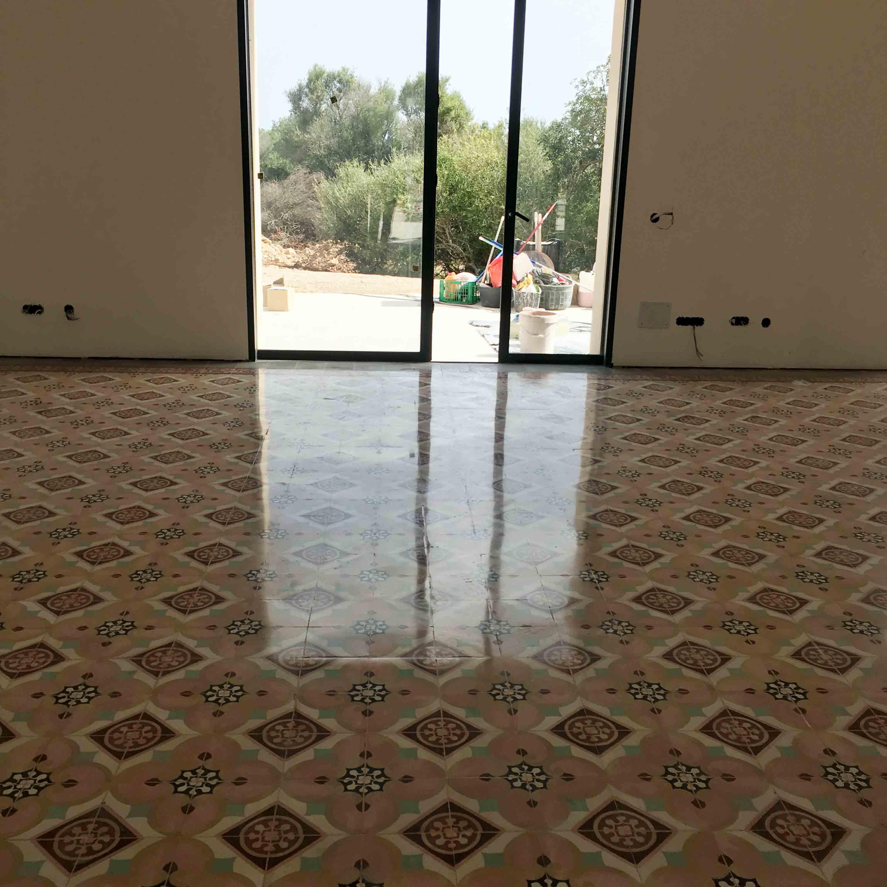 MosaicosBarcelona-Recuperacción-abrillantado-y-acristalado-de-suelos-de-mosaico-hidraulico-en-vivienda-en-Mallorca-Baleares-19
