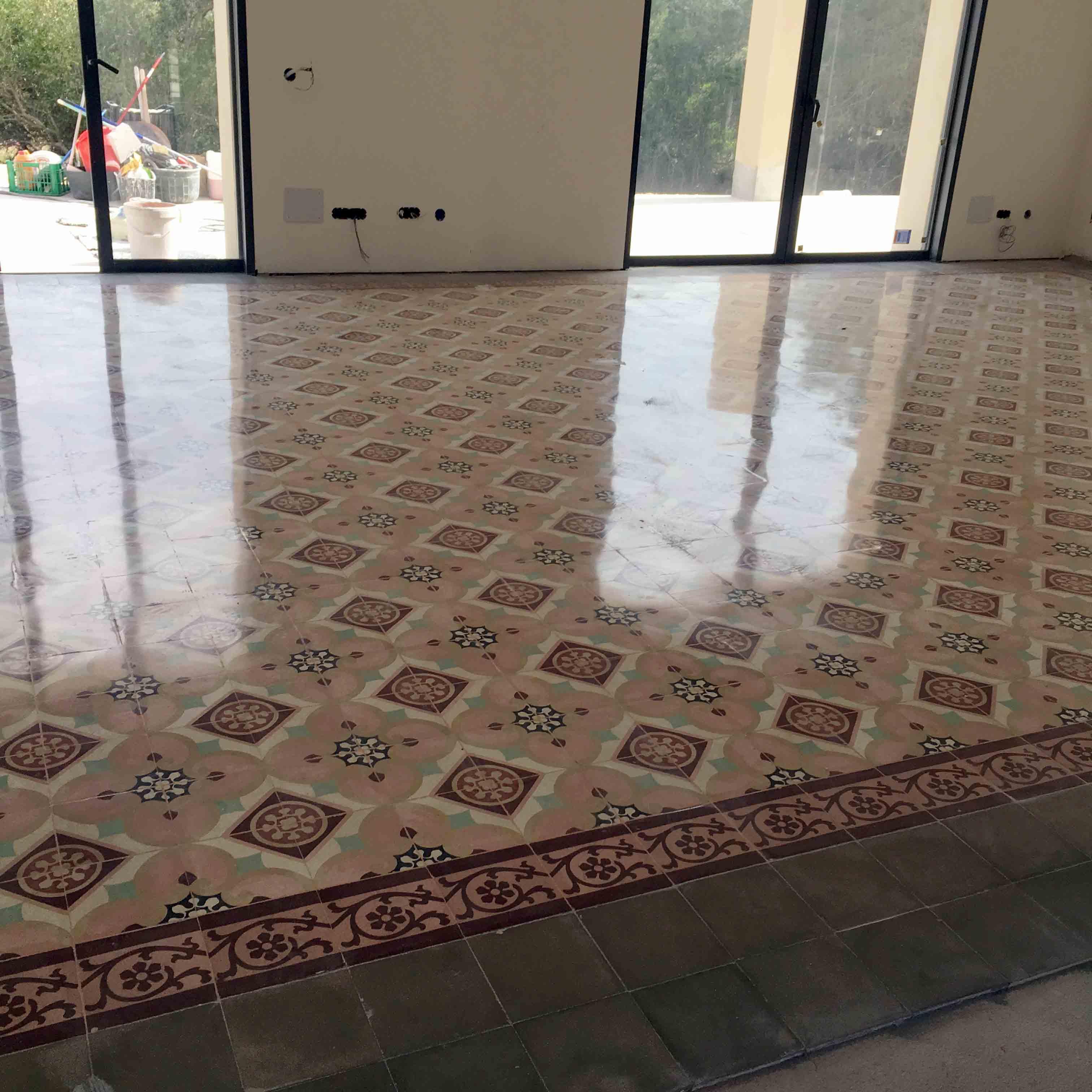 MosaicosBarcelona-Recuperacción-abrillantado-y-acristalado-de-suelos-de-mosaico-hidraulico-en-vivienda-en-Mallorca-Baleares-22