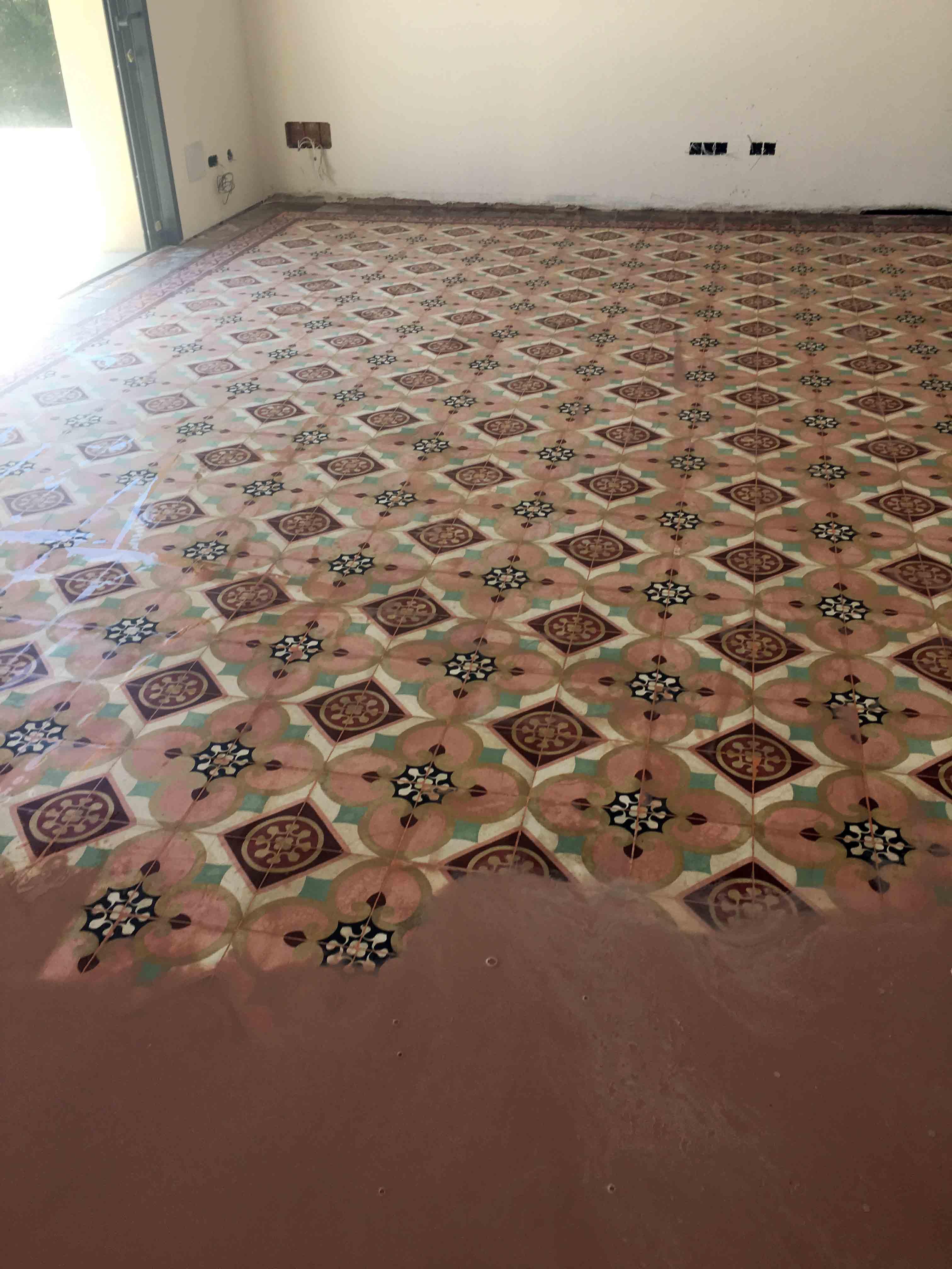 Pulido Y Abrillantado De Suelo De Mosaico Hidr Ulicos En Vivienda