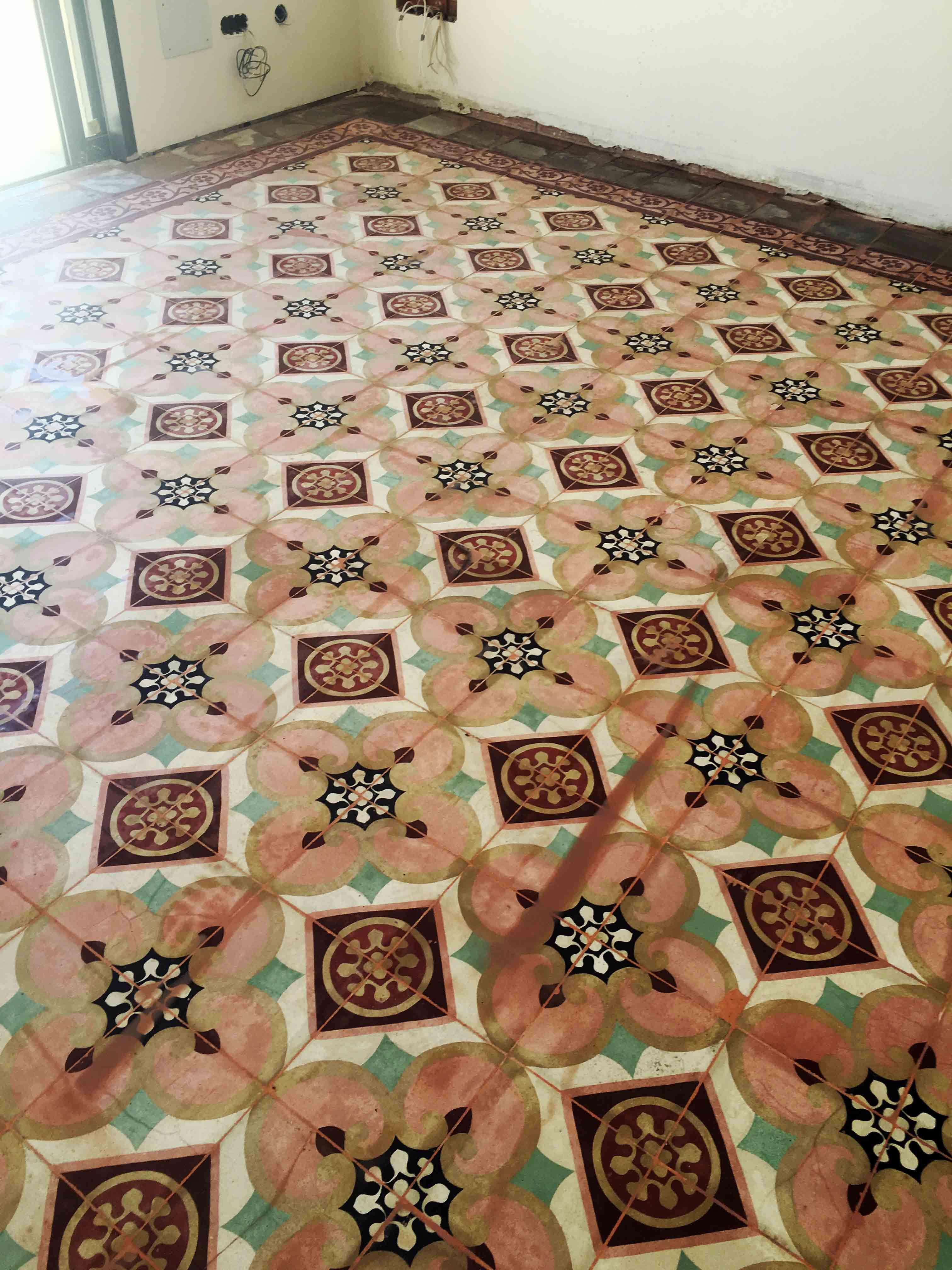 MosaicosBarcelona-Recuperacción-abrillantado-y-acristalado-de-suelos-de-mosaico-hidraulico-en-vivienda-en-Mallorca-Baleares-9