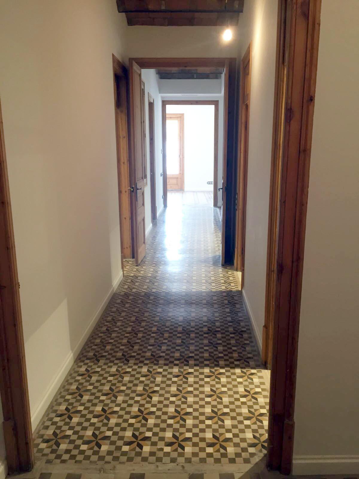MosaicosBarcelona-Recuperacion-suelo-nolla-en-vivienda-calle-Trafalgar-Barcelona